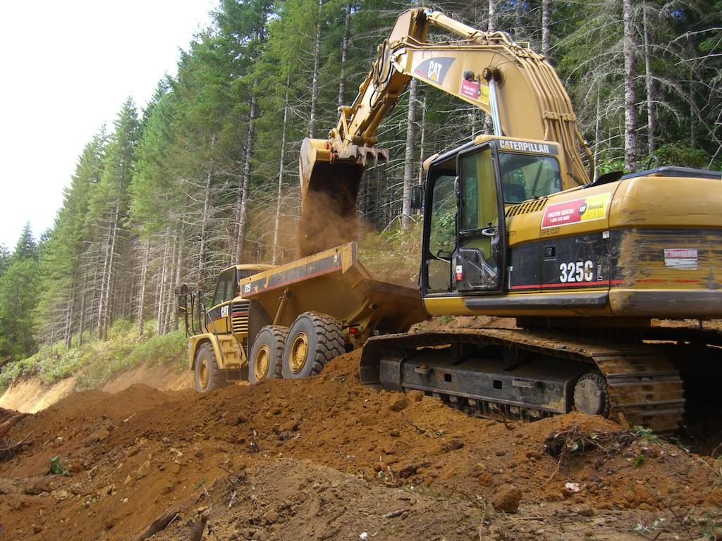 equipment operator working in Oregon